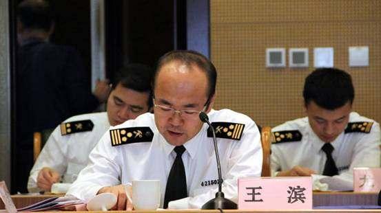 青岛海关加工贸易监管处副处长王滨汇报淄博保税物流中心预验收情况
